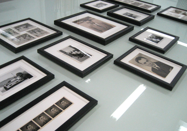Framing black and white photos